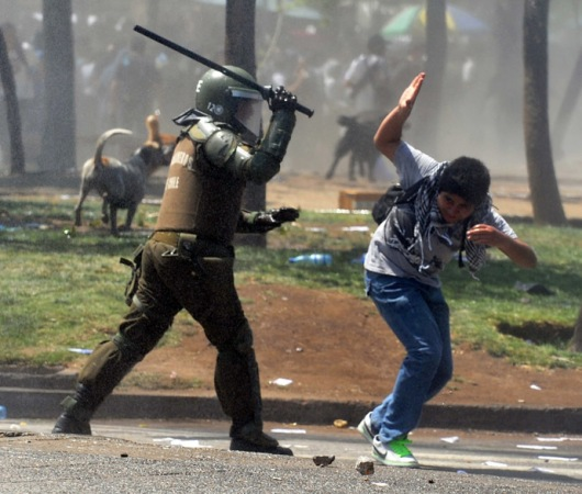 TOPSHOTS-CHILE-STUDENTS-PROTEST
