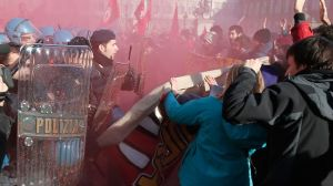 340047_Turin-clashes