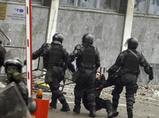 bosnia-tuzla-protester