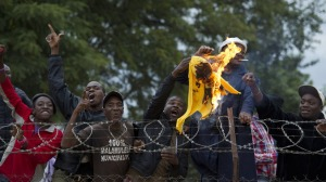 Malamulele-proletarians-burn-ANC-flag-at-rally-after-booing-president