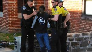 bal-bs-md-freddie-gray-arrest-20150420