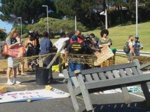 barricades-sape-town-uni-0ct-2015