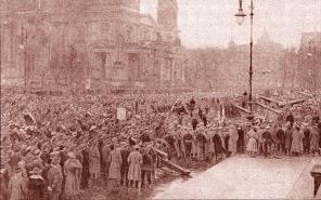 1919. Ο κόσμος καταλαμβάνει τους δρόμους