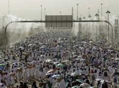 saudi-arabia-hajj-pilgrimage-cooling-mist-sept-2015